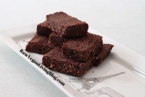 raw_vegan_chocolate_brownie_squares