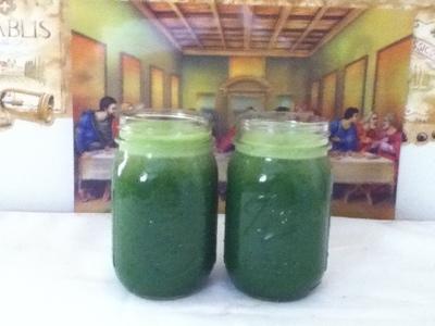 green_juice_glasses