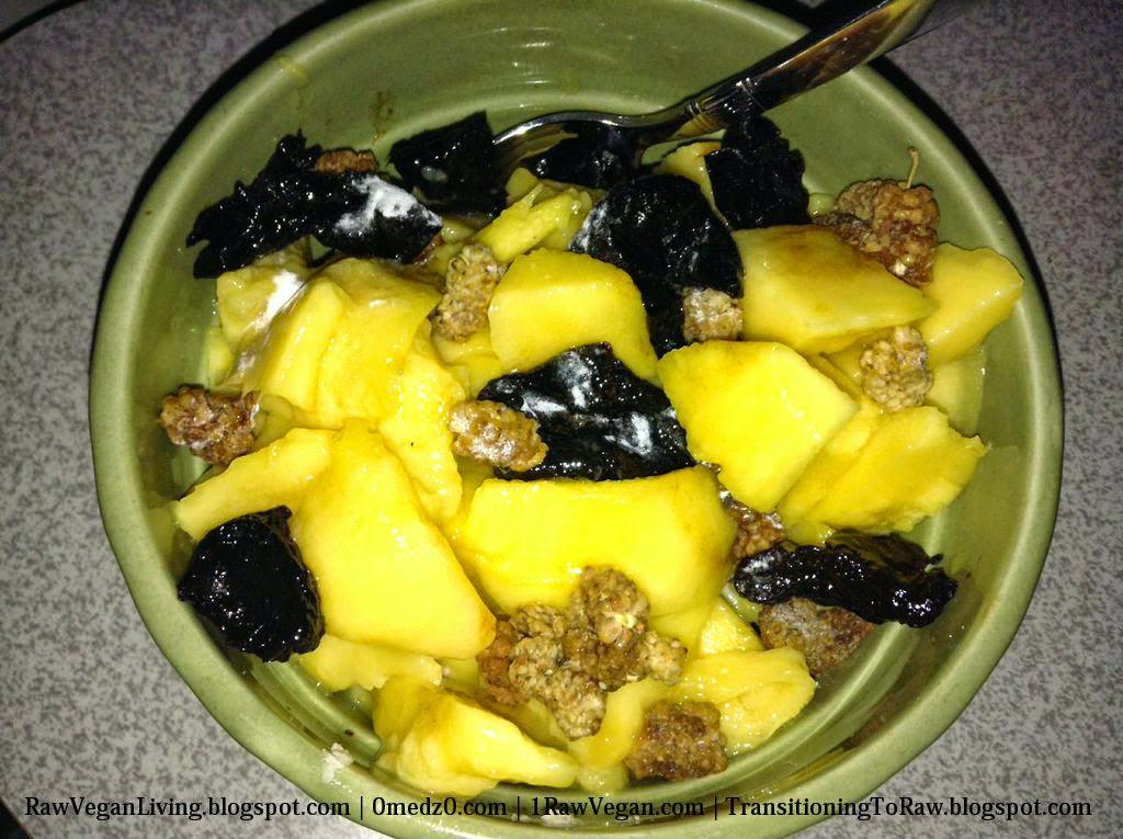 mango-2Bberry-2Blove-2Bfruit-2Bbowl-2Bsalad